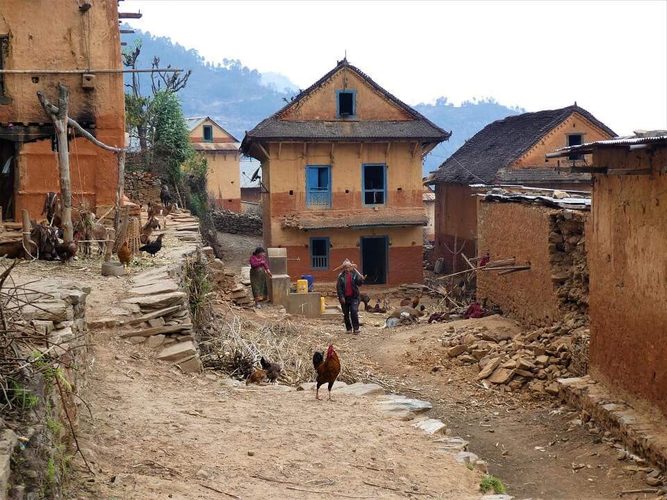 Indigenous people trek – locals aan het werk in een traditioneel dorp